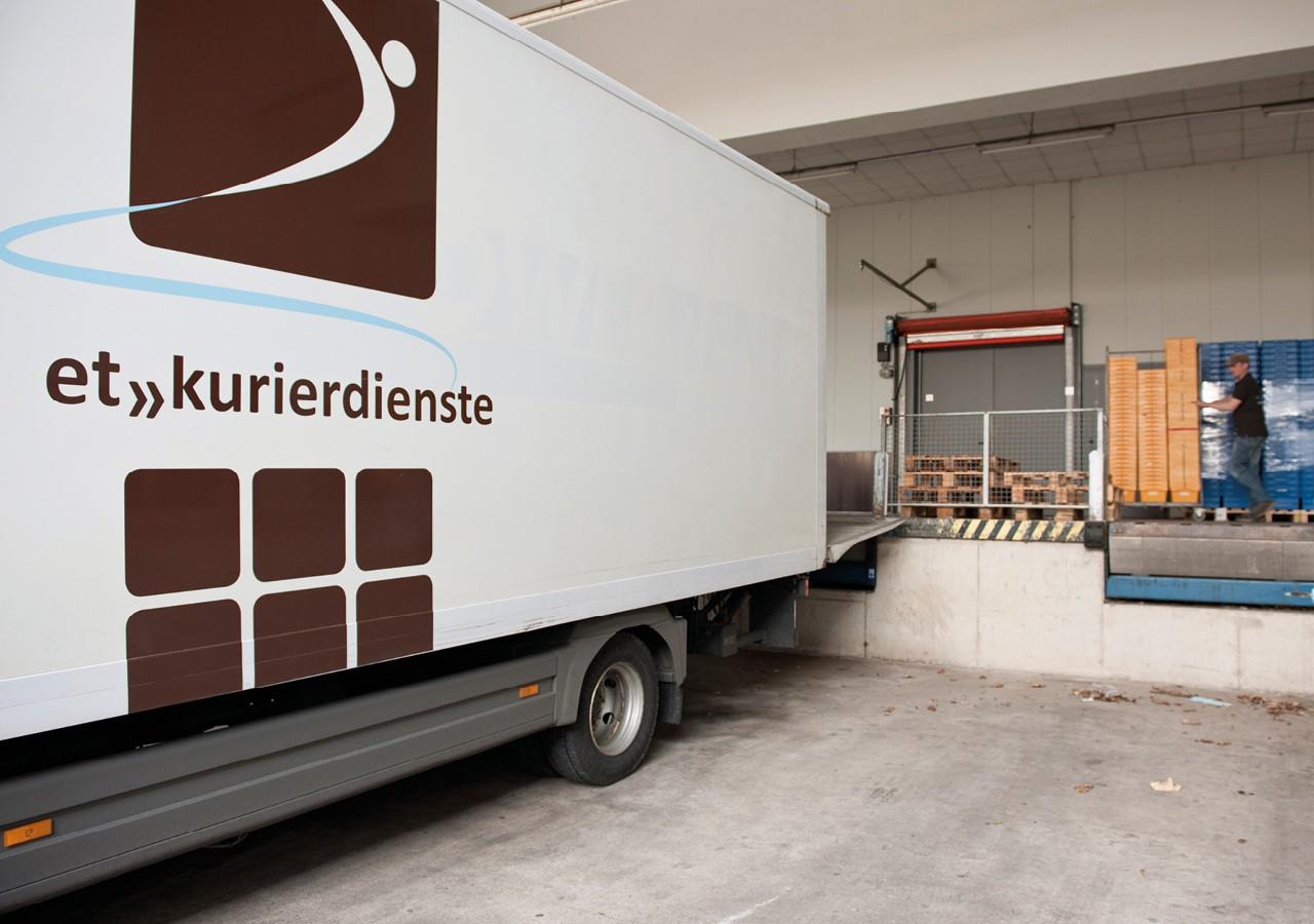 Werbeagentur Osnabrück click-werk Design Gestaltung Logodesign Arbeitsbekleidung Flyer Give-Aways Webseite Beschilderung Fahrzeugfolierung und Fahrzeugbeschriftung CMS-System Aquise-broschuren Image-Broschuren