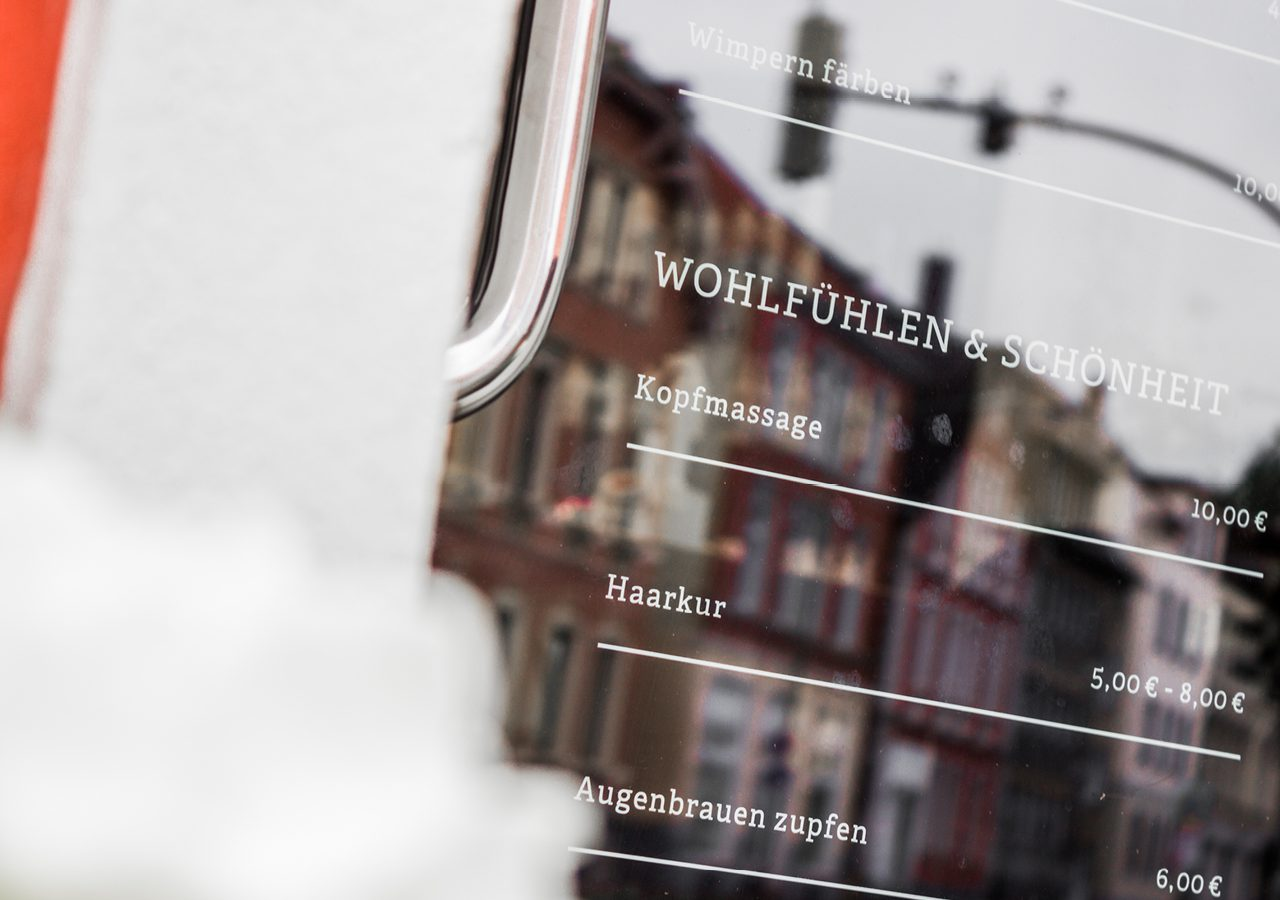 Werbeagentur Osnabrück click-werk Design Konzept Logo Gestaltung Aussenwerbung Lichtreklame Geschäftsausstattung Stempel Arbeitsbekleidung Interieurgestaltung Kampagnenwerbung Plakate Social Media Flyer als Türhänger Imageflyer Faltblatt Visitenkarte mit Veredelung