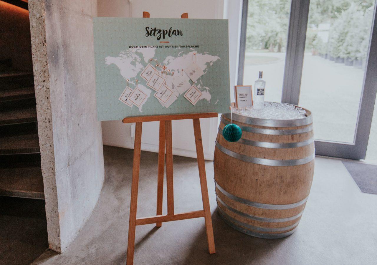 Werbeagentur Osnabrück click-werk Design Konzept Logo Gestaltung Branding Einladungskarten Kuvert Leitsystem Innengestaltung Sitzplan Tischkarten Broschüre Kirchlicher Ablauf Taschentuchbanderole Gastgeschenkpackaging Postkarten